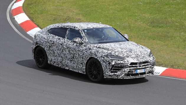 New 2022 Lamborghini Urus facelift spied at the Nurburgring