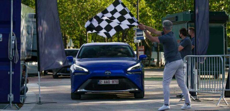Toyota Mirai Breaks World Record: 1,000 Km On Hydrogen
