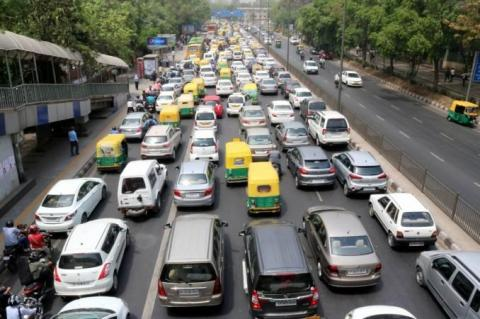 Delhi: Rs. 10,000 fine on 10+ year old vehicles