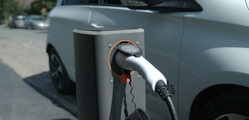 Government offers £200k for 'iconic' EV chargepoint design