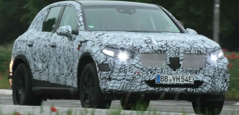 Mercedes GLC Spy Video Shows Crossover Looking Large In Traffic