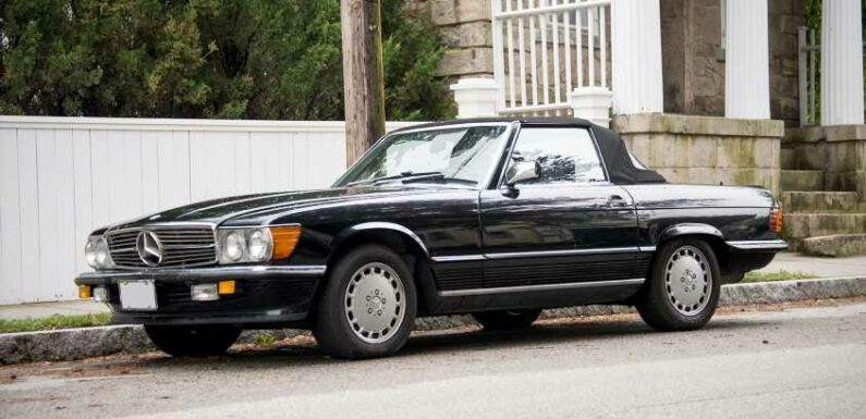 Street-Spotted: Mercedes-Benz 560 SL
