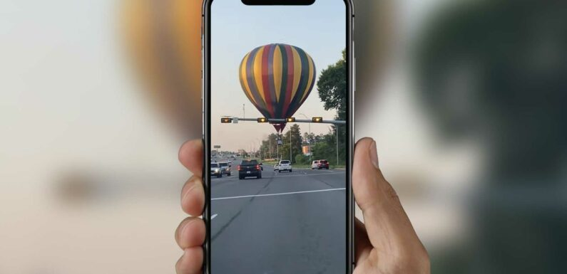 Watch Hot Air Balloon Forced To Land On A Busy Intersection In Texas