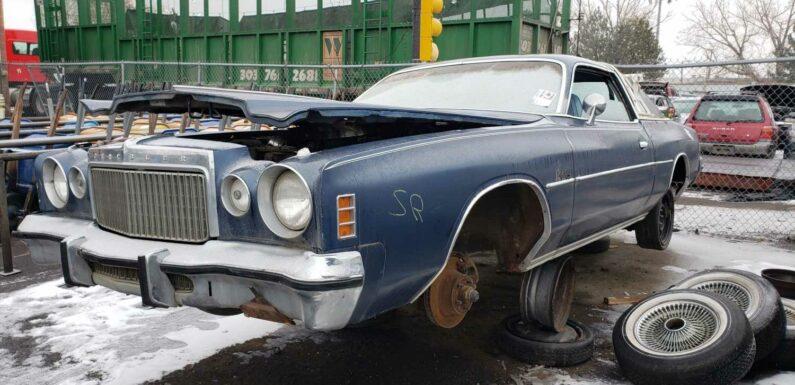 1977 Chrysler Cordoba Is Junkyard Treasure