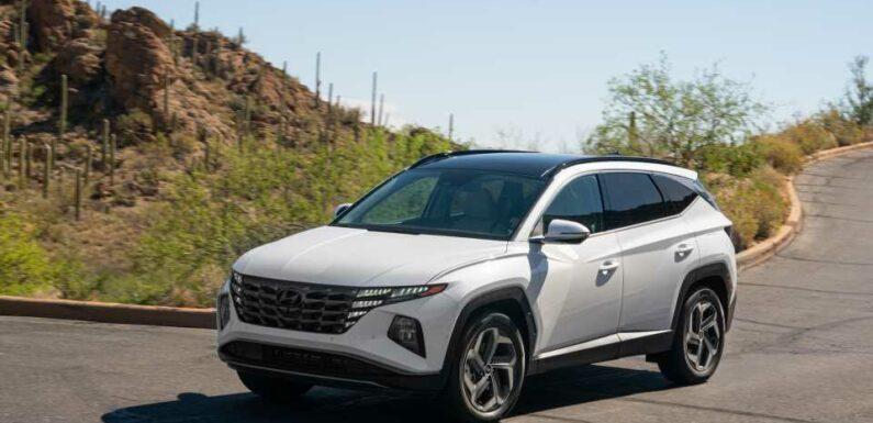 2022 Hyundai Tucson Hybrid vs. Toyota RAV4 Hybrid: Compare Crossover SUVs