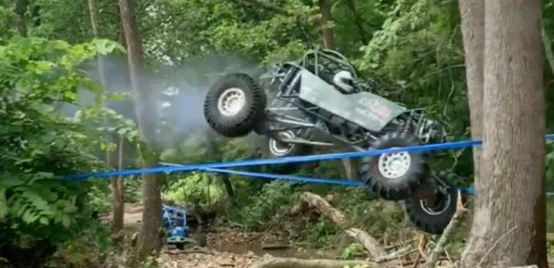 A Stuck Open Throttle in a Rock Bouncer Is Terrifying