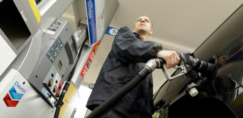 Oregon Lets Drivers Pump Their Own Gas for Two Days Due to Heatwave