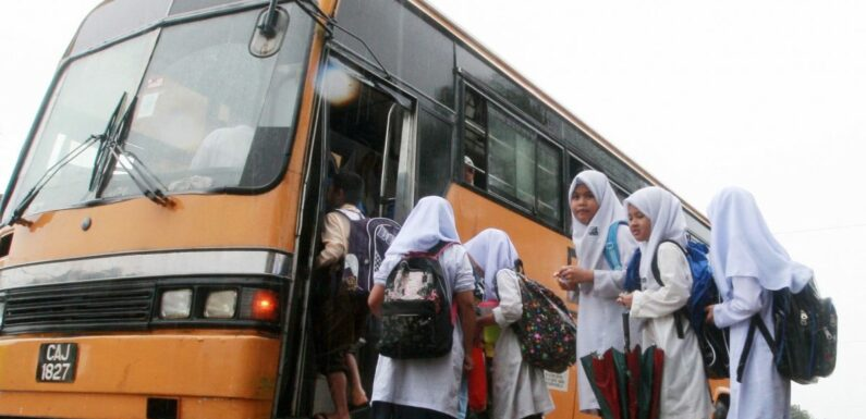 Public service vehicles such as taxis and school/tour buses granted a one-year age limit extension – Wee – paultan.org