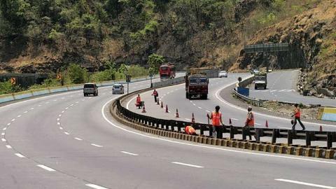 Raise speed limits by 20 km/h: Nitin Gadkari