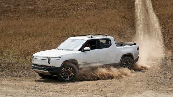 Rivian Electric Vehicle Applies for K-Turn Mode Patent