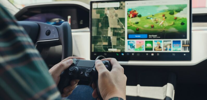 Tesla Arcade Review: How Good Is the Model S Plaid for Gaming?