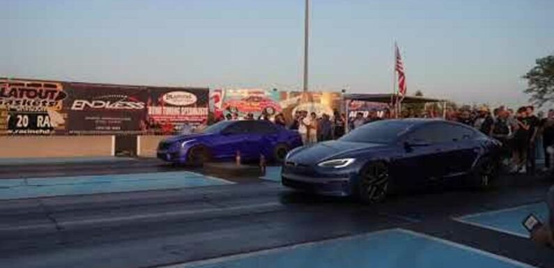 Watch Tesla Model S Plaid Vs Cadillac CT4 At The Strip