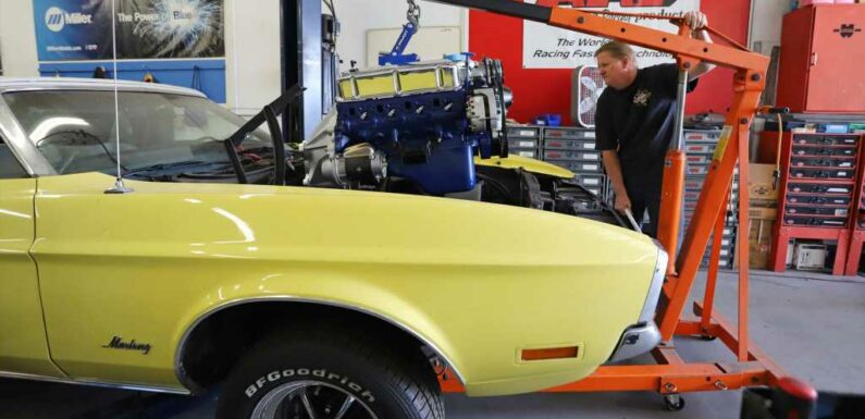 302 Engine Swap on a 1972 Mustang