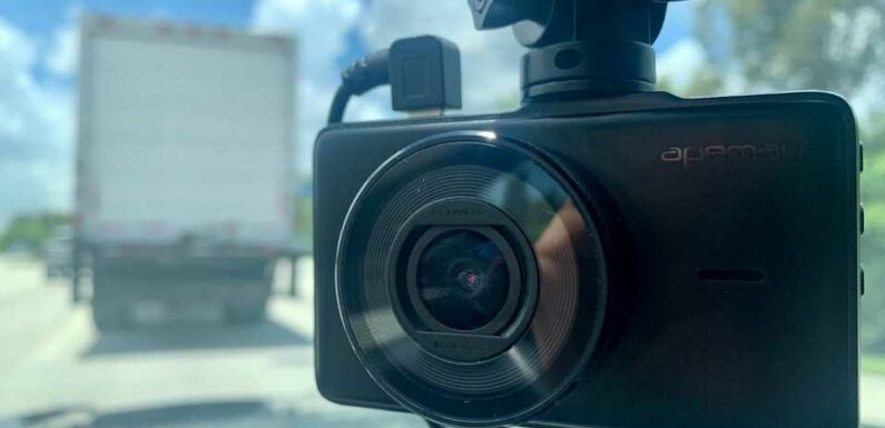 Apeman C450 Dash Cam's Price Makes It an Option for Those Who Aren't Picky