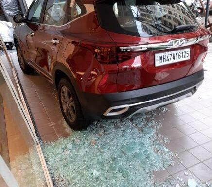 Damaged Seltos: Kia & dealer forcing me to take its delivery