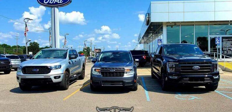 Ford Maverick Looks Properly Small In Family Photo With Ranger, F-150