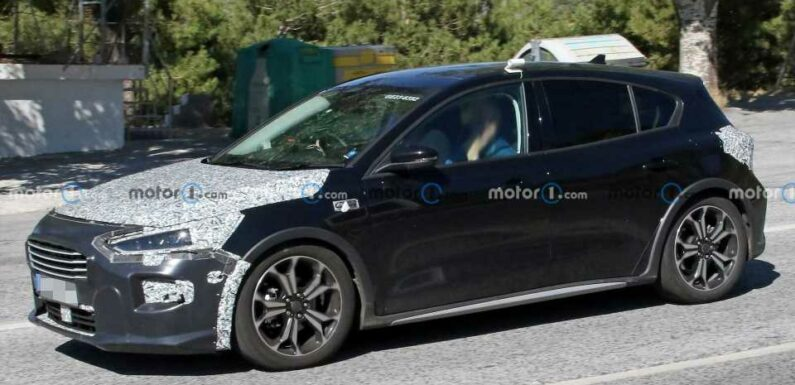 New Ford Focus Spy Photos Show Hatch Looking Ready For Production