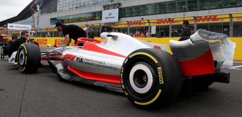Pirelli want 2022 tyre tests while running in traffic