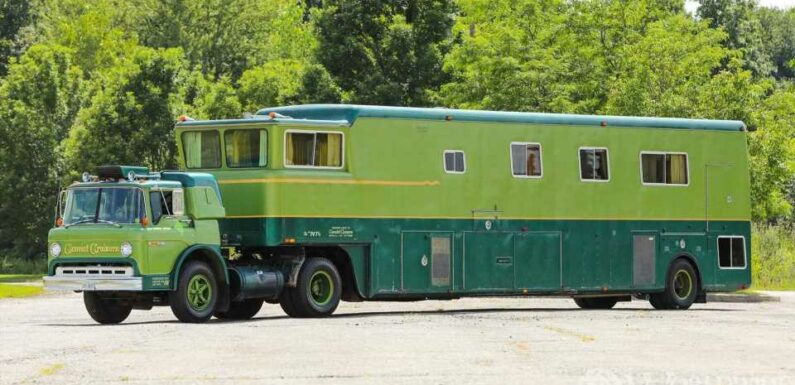 Rare Camelot Cruiser For Sale Is Like The Brady Bunch House On Wheels