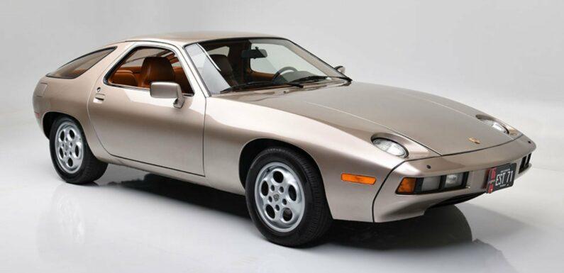 The 1979 Porsche 928 From <em></noscript>Risky Business</em> Is Up for Auction