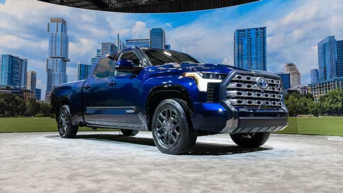 2022 Toyota Tundra i-Force Max Hybrid Tech Dive