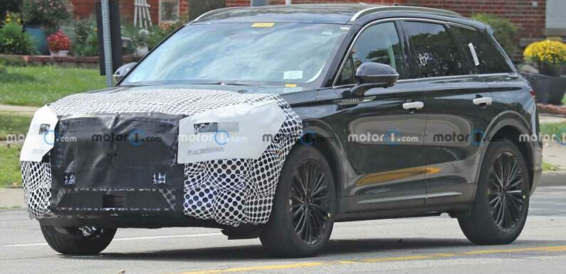 Lincoln Corsair Spy Shots Show Crossover Hiding Its Facelift