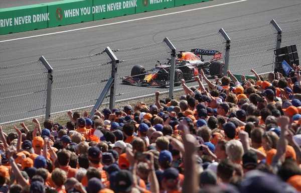Race: Verstappen retakes title lead with Dutch GP win