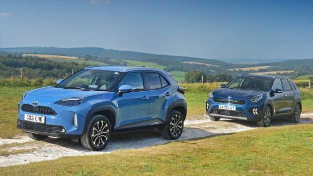 Toyota Yaris Cross vs Kia Niro: 2021 group test review